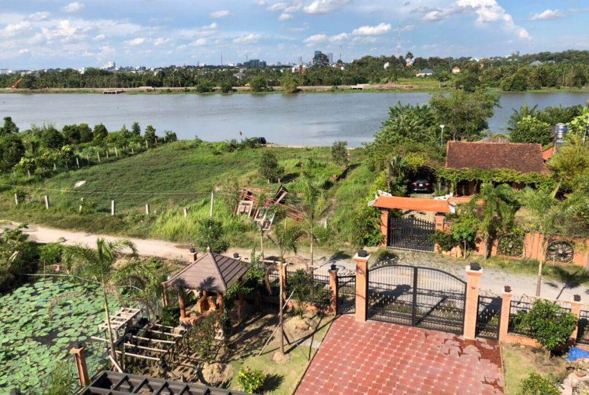 Biệt thự sinh thái bên sông Củ Chi (3)