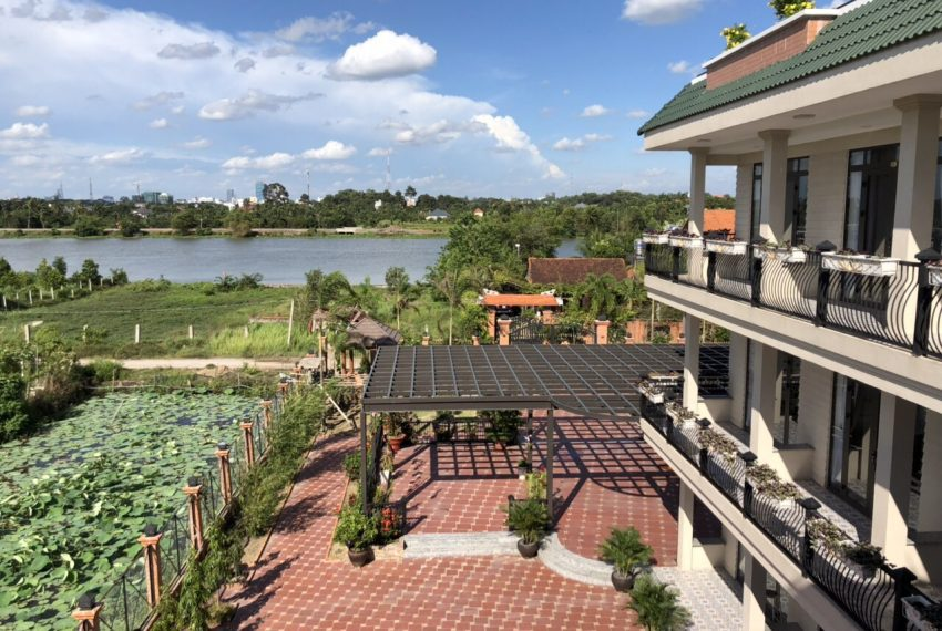 Biệt thự sinh thái bên sông Củ Chi (4)